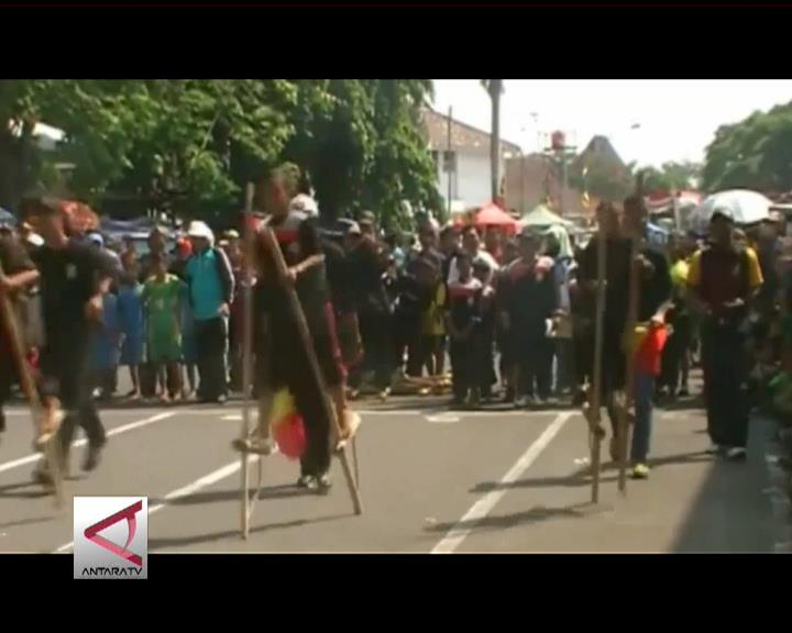 Siswa SD Semarakan Lomba Olahraga Tradisional