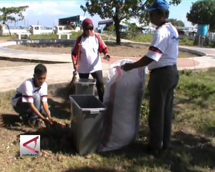 Padang Gelar Gerakan Bersih Pantai