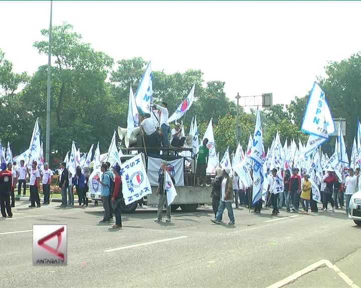 Gubernur DKI Pusatkan Demo Buruh ke Monas