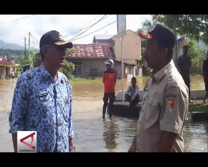 Pemkot Solok Bantu 114 Korban Banjir