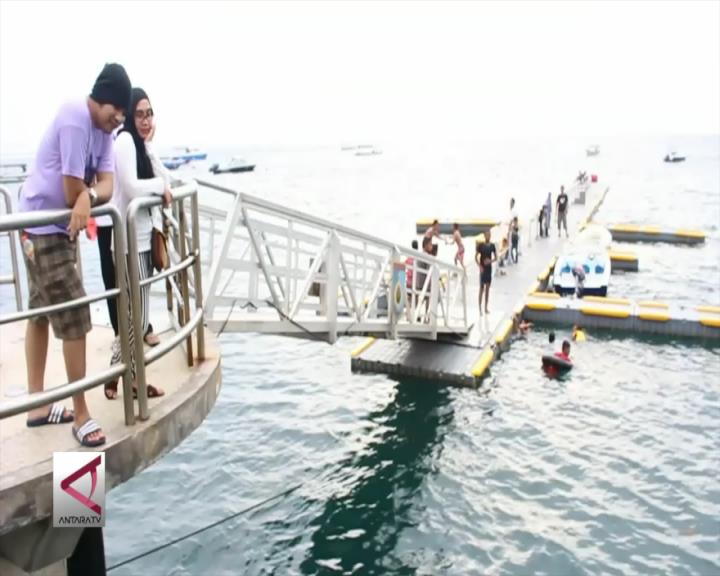 Menikmati Keindahan Pelabuhan Cicak di Lombok