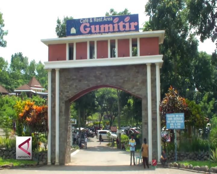 Wisata Alam Gunung Gumitir