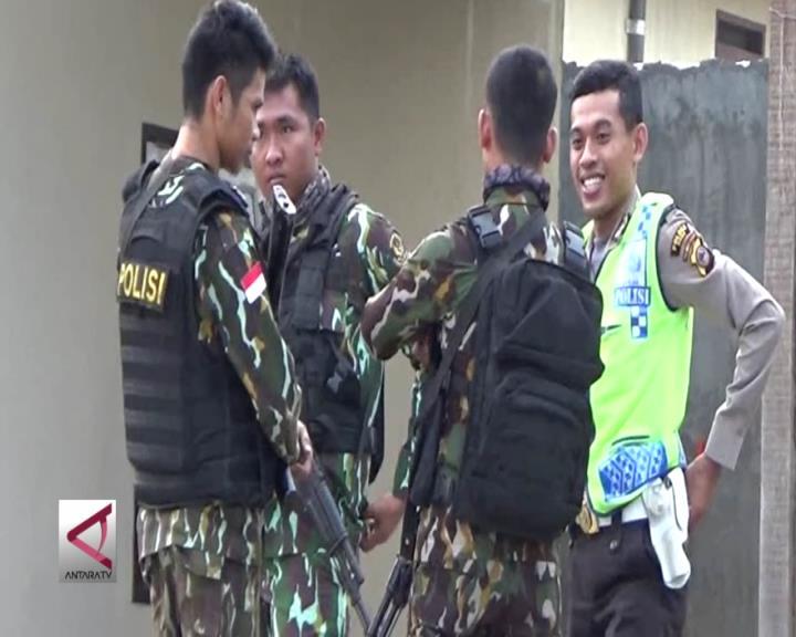 Satu Brimob dan 2 Sipil Bersenjata Tewas