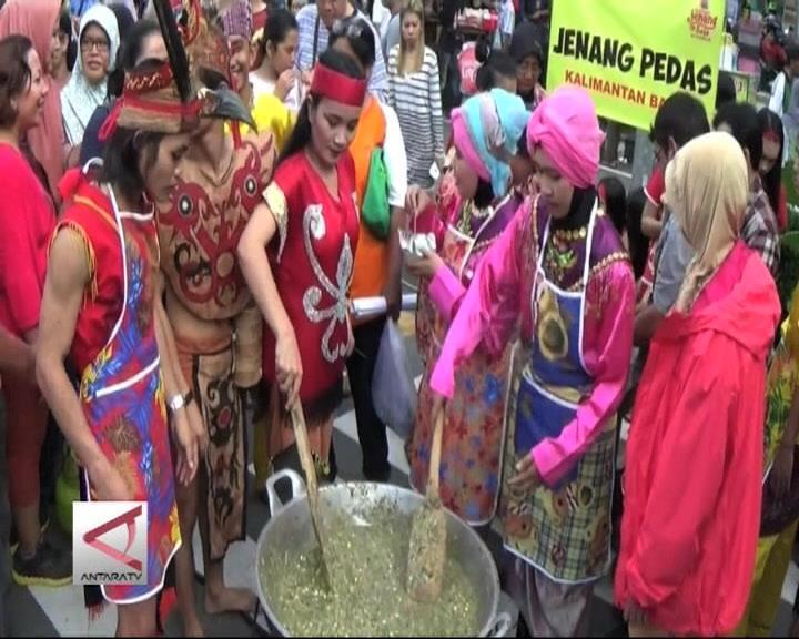 Kalimantan & Papua Ramaikan Festival Jenang