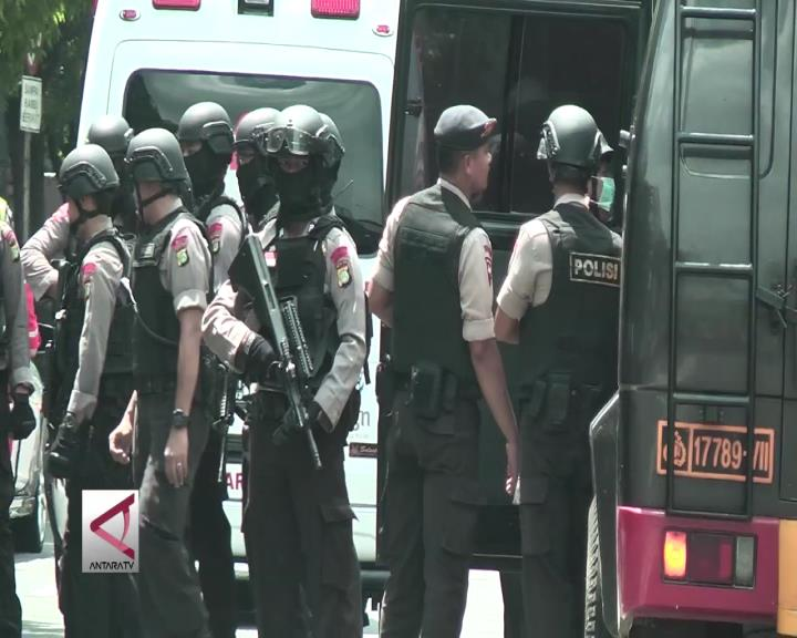 Luhut : Perkuat Revisi UU Anti Terorisme