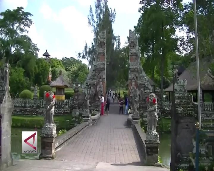 Pura Taman Ayun Pikat Ribuan Wisatawan