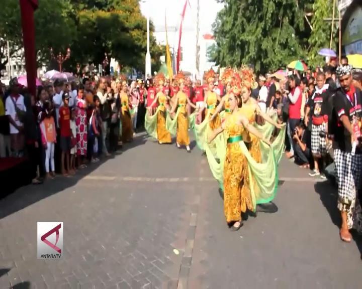 Pawai Seni Budaya & Lintas Agama di Semarang