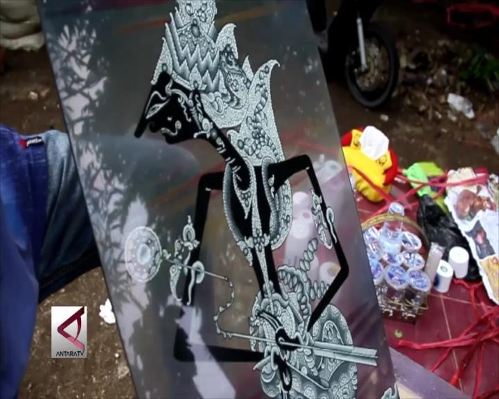 Keunikan Lukisan Kaca Khas Cirebon