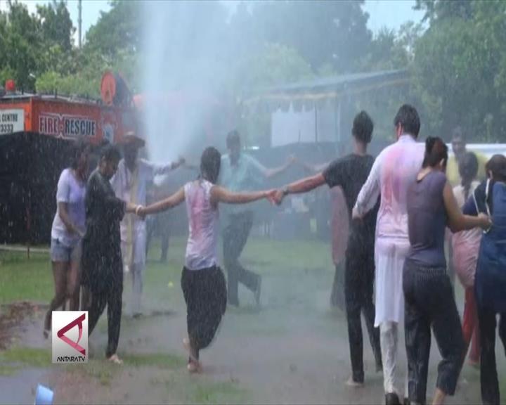 Serunya Festival Holi Dalam Tradisi Hindu India