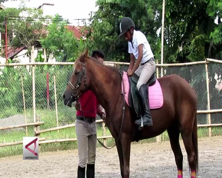 Manfaat Olahraga Berkuda Untuk Si Kecil