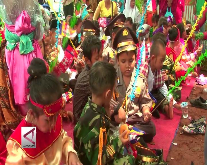 Sekolah Alternatif Anak Jalanan Rayakan Hari Kartini