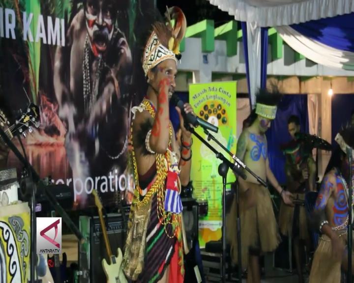 Tarian Alam Pemuda Papua di Bumi Sriwijaya