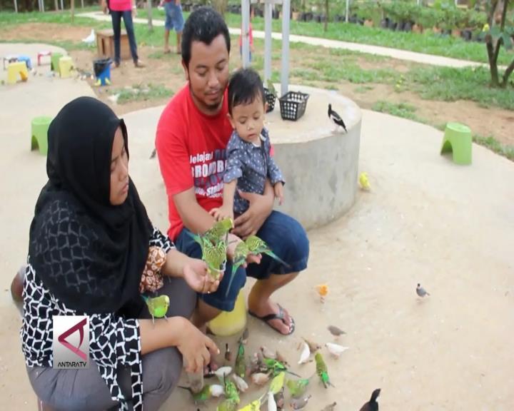 Libur Sambil Belajar di Taman Burung Palembang