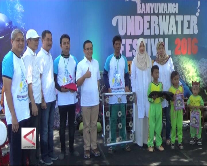 Meriahnya Banyuwangi Underwater Festival