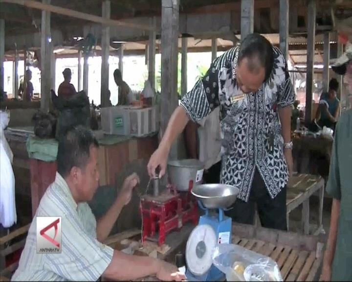 Disperindag Banten Tera Ulang Timbangan Pedagang