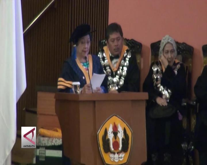 Megawati Dianugerahi Gelar Doktor Oleh Unpad