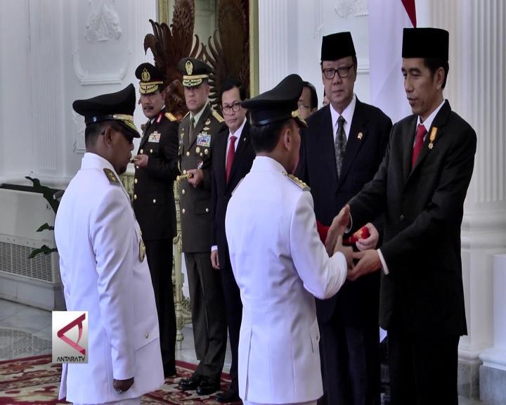 Presiden Lantik 4 Gubernur dan 2 Wagub