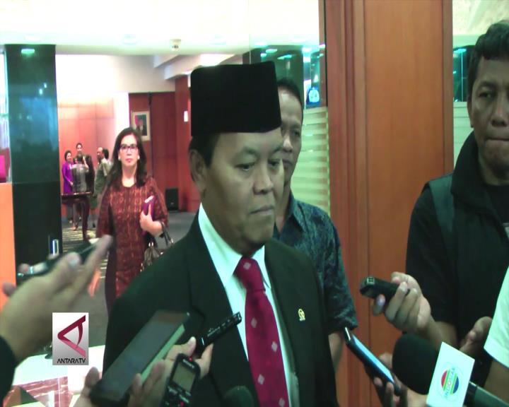 Pimpinan MPR Minta Presiden Blusukan Ke Pasar