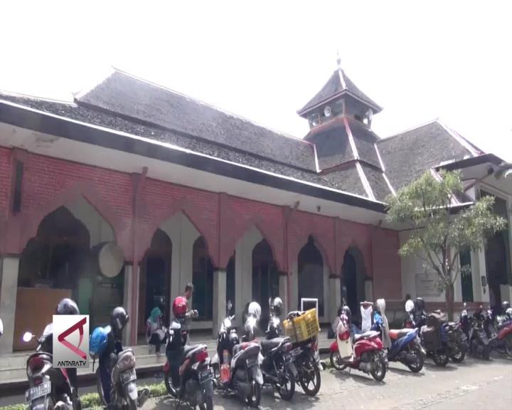 Guratan Sejarah di Masjid Raya Cipaganti