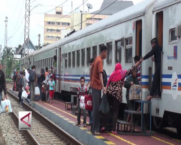 Sudah 3.000 Pemudik Datang di Stasiun Solo Jebres