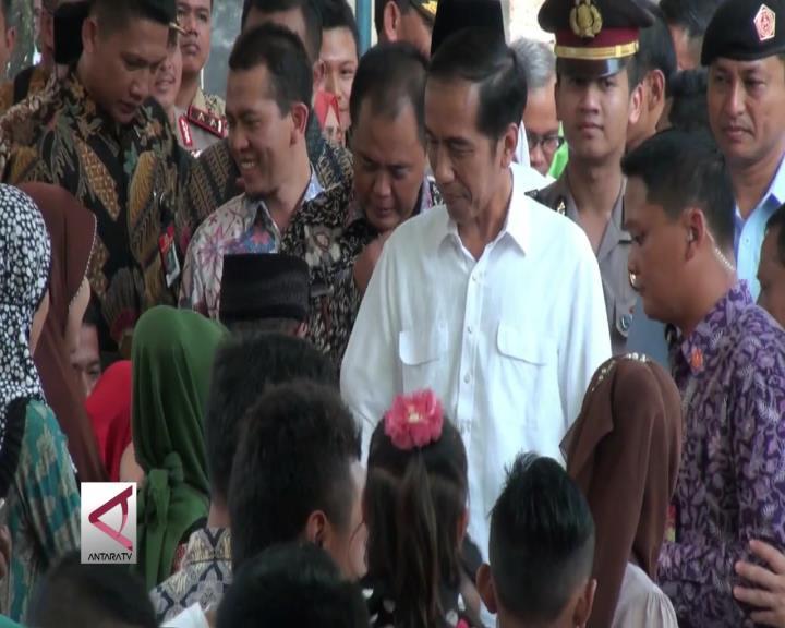 Presiden Jokowi Kunjungi Kampung Masa Kecil