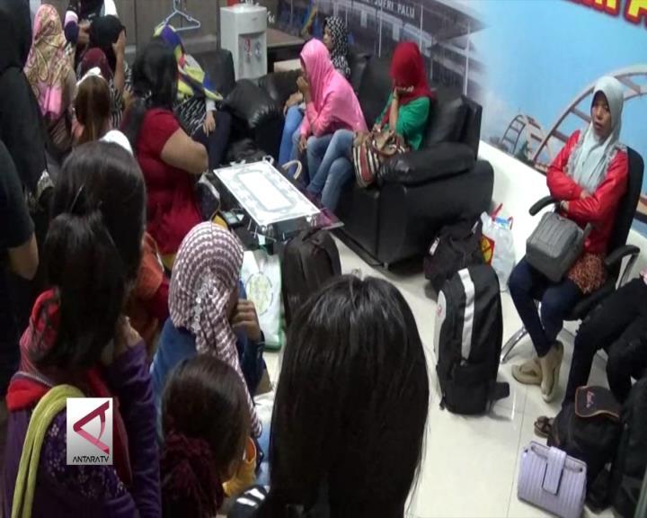 Petugas Amankan 22 TKW Ilegal di Bandara
