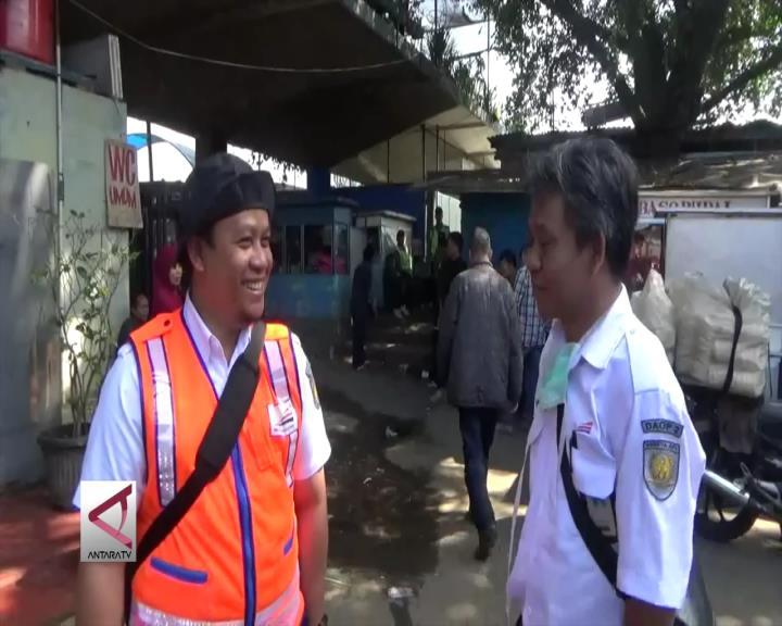 PT KAI Bersihkan Aset Stasiun Yang Diduduki Warga
