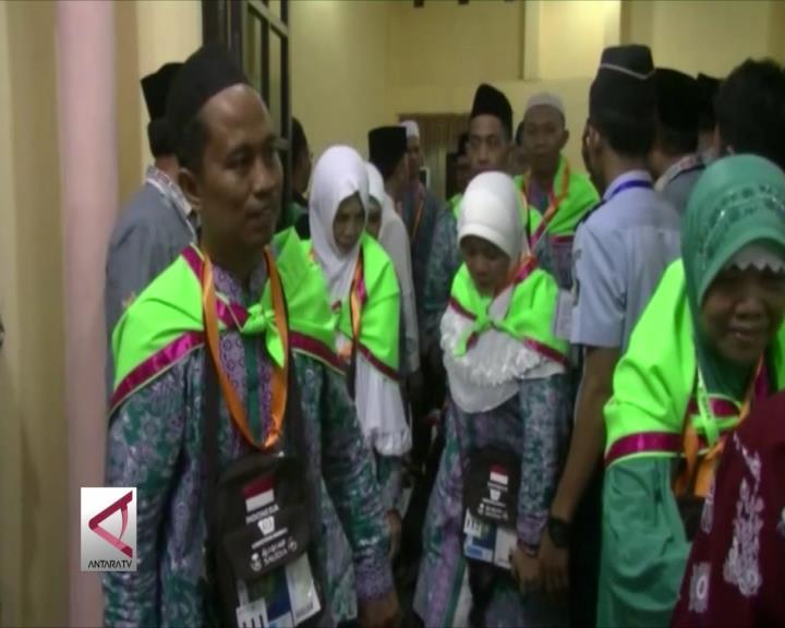 1.097 Calon Haji Kalteng Diberangkatkan