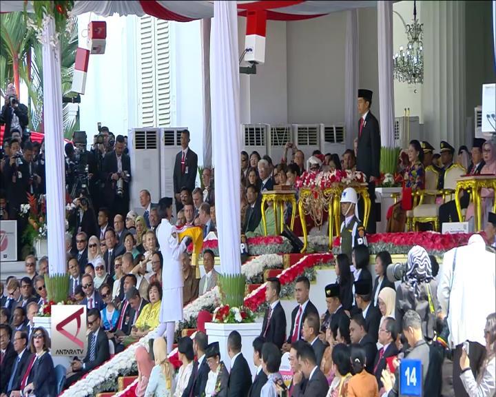 Presiden Pimpin Upacara HUT RI Ke 71 di Istana