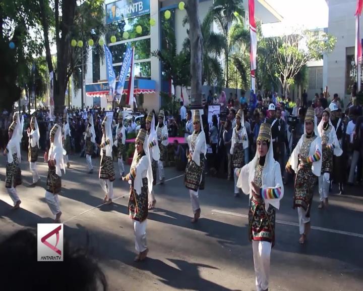 Bulan Budaya Sumbawa Lombok 2016
