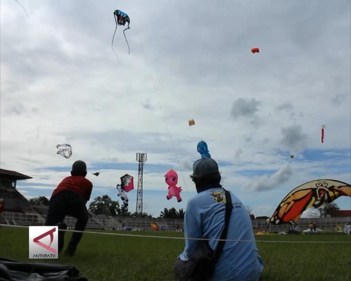 Saat Layang-Layang Menghiasi Langit Bandar Lampung
