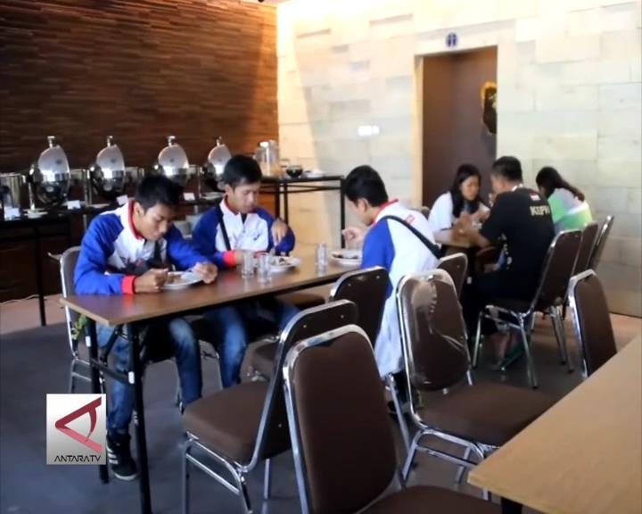 Hotel di Cirebon Dibanjiri Atlet
