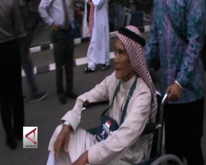"Kloter I Tiba di Makassar Setelah ""Delay"" 5 Jam"