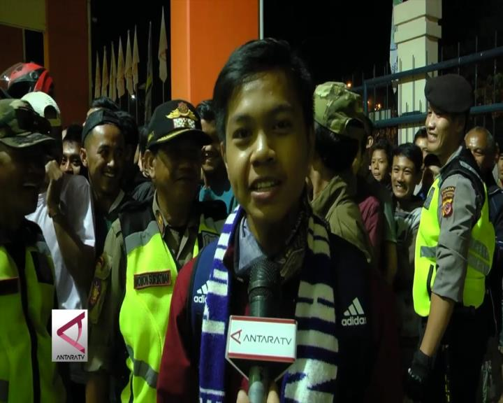 Antusiasme Pendukung Ramaikan Final Sepakbola
