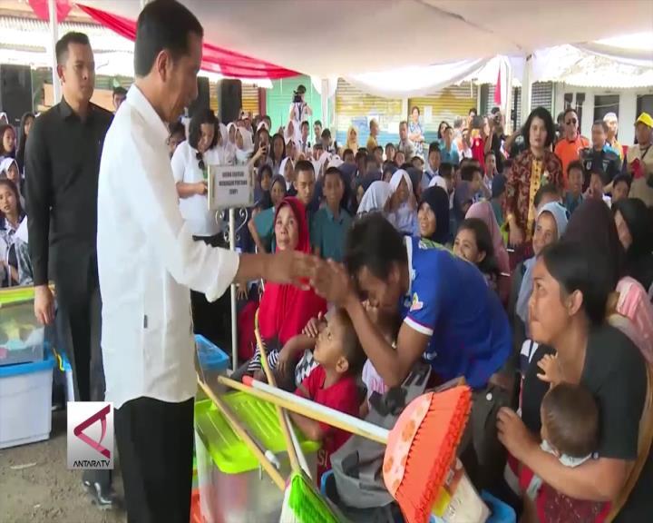 Presiden Tinjau Korban Banjir di Garut