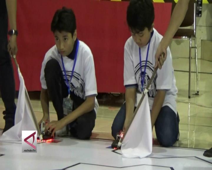 Ratusan Robotik Muda Berlaga di Malang