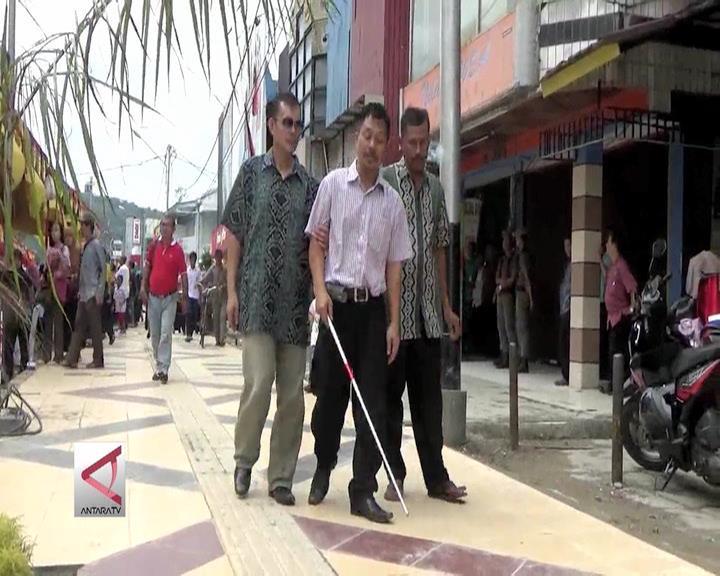 Trotoar Khusus Bagi Kaum Disabilitas