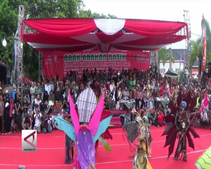 Sebanyak 5000 Peserta Ramaikan Karnaval Batik Pekalongan