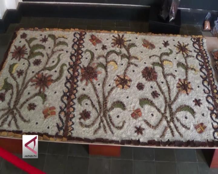 Saat Seni Batik Diterjemahkan Gadis Belanda