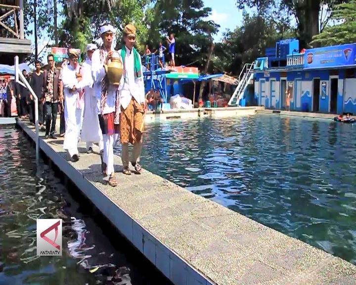 Kawin Cai, Tradisi Mengawinkan Air di Kuningan