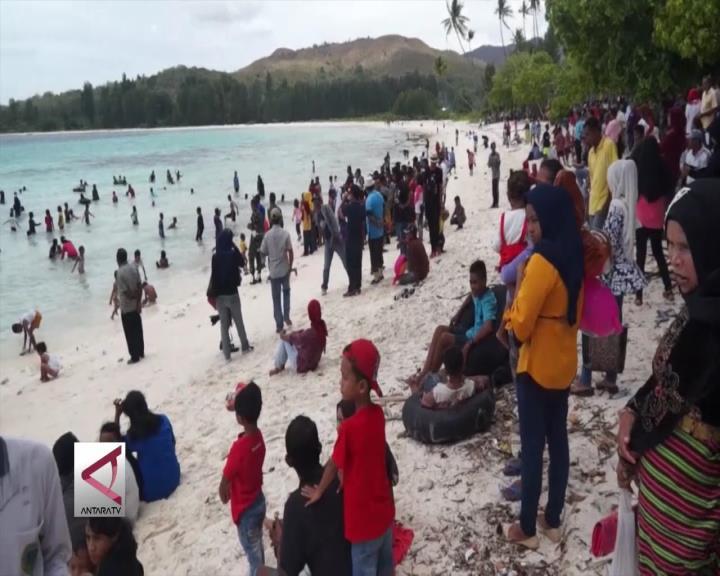 Mengubah Citra Pulau Buru di Pantai Terpanjang