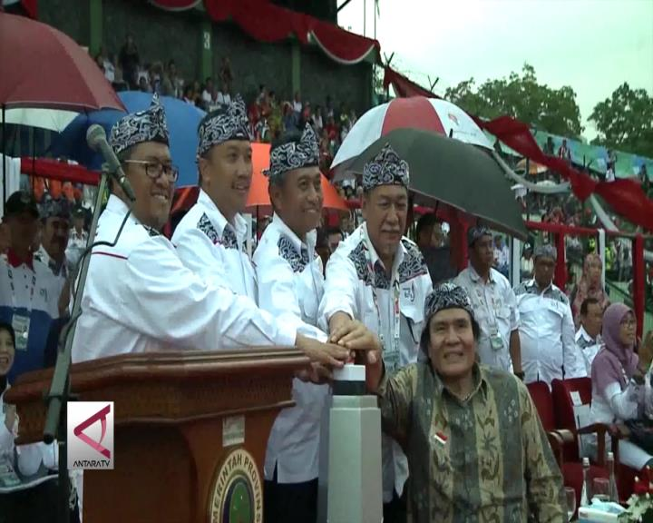 Menpora Buka Peparnas XV di Bandung