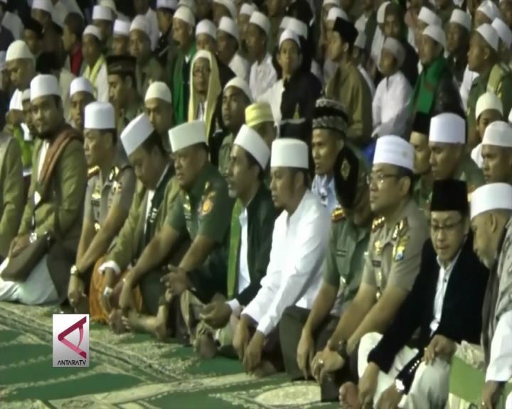 Panglima TNI Berdoa Bersama Warga Malang