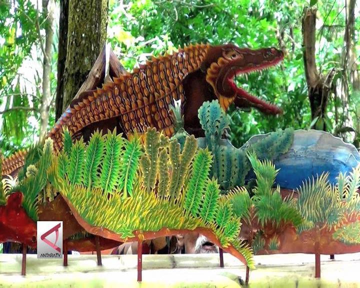 Menanamkan Kejujuran Lewat Dongeng di Hutan Pinus