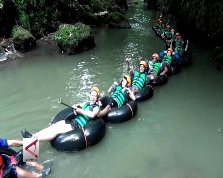 Menikmati Wisata Susur Sungai