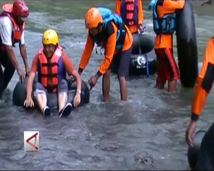 Geo Tubing, Wisata Sambil Belajar Batuan