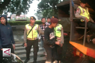 Polisi Gabungan Jaring  Preman Jalanan di Kota Bandung