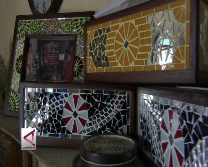 Omzet Berkilau dari Kreasi Mozaik Kaca
