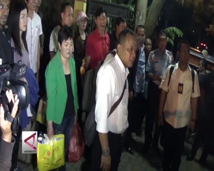 Imigrasi Bogor Deportasi 12 TKA Asal Tiongkok