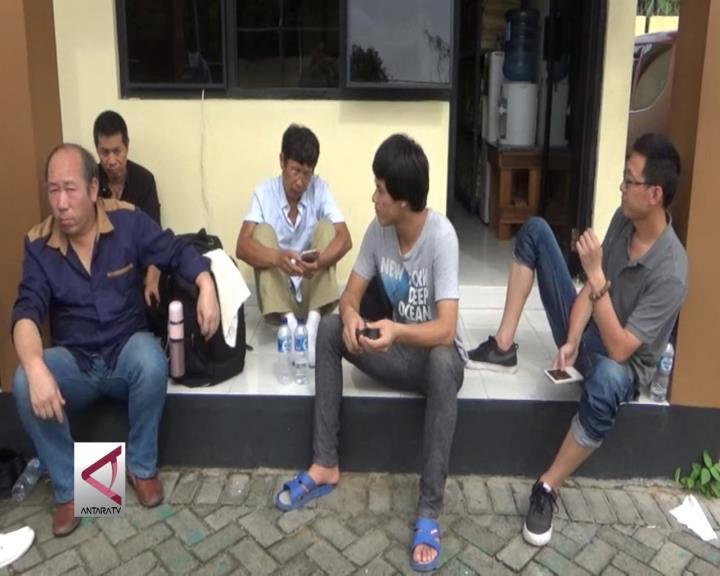Sebanyak 10 TKA Ilegal Ditangkap
